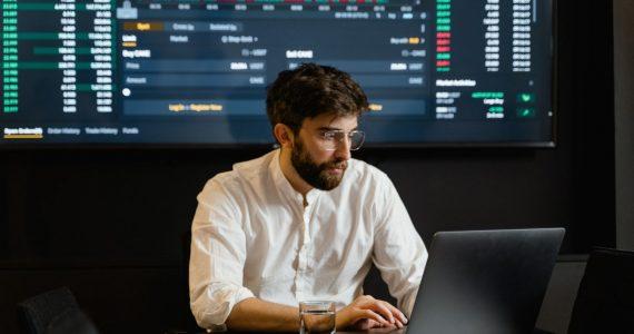 Fundo de ações: O que é, como funciona e como investir?